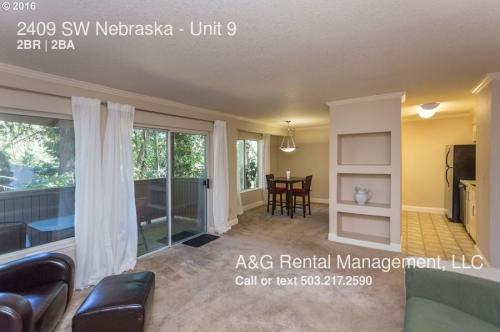2409 SW Nebraska #9 Photo 1