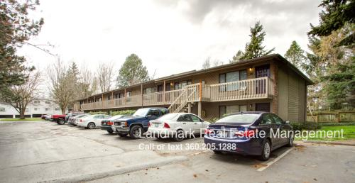 2836 W Maplewood Ave #6 Photo 1