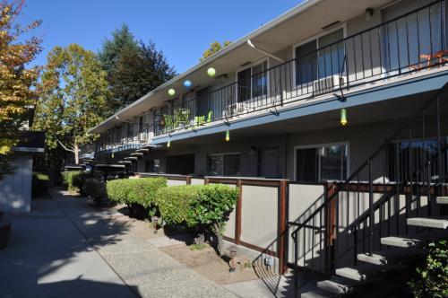 3990 Hamilton Avenue Photo 1