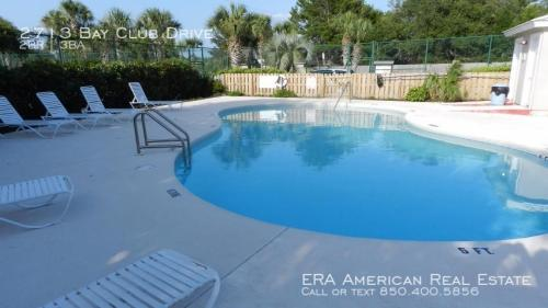 2713 Bay Club Drive Photo 1