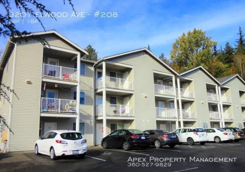 3201 Elwood Avenue Photo 1