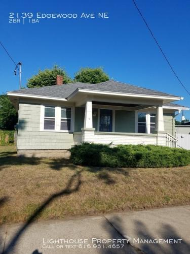 2139 Edgewood Avenue NE Photo 1