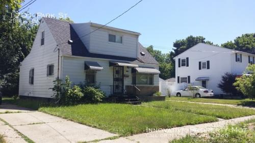 1701 Park Street Photo 1