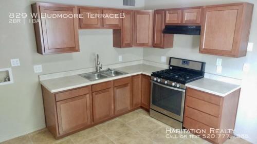 829 W Budmoore Terraceb Photo 1