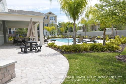202 Queen Palm Court Photo 1