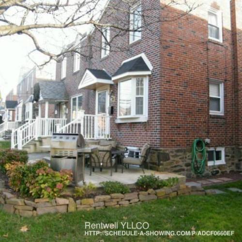 4922 Woodland Avenue Photo 1