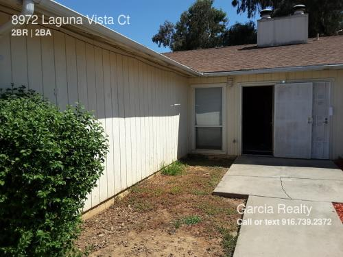 8972 Laguna Vista Court Photo 1