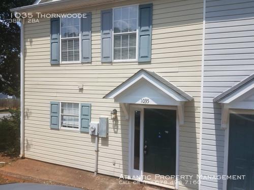 1035 Thornwoode Photo 1