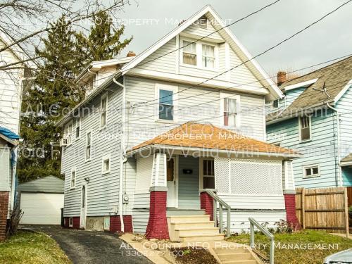 982 Chalker Street Photo 1