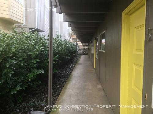 1370 High Street Photo 1