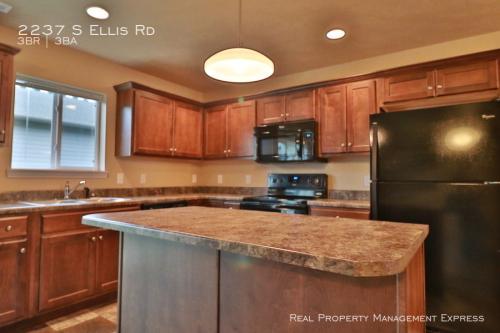 2237 S Ellis Road Photo 1
