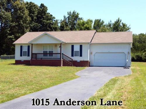 1015 Anderson Lane Photo 1