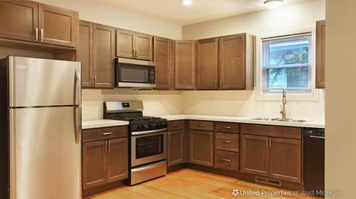 312 Gunnison Avenue SW Photo 1