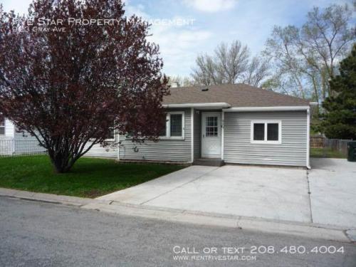 923 Gray Avenue Photo 1