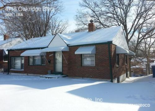 4718 Oakridge Boulevard Photo 1