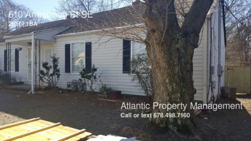 610 Armstrong Street SE Photo 1
