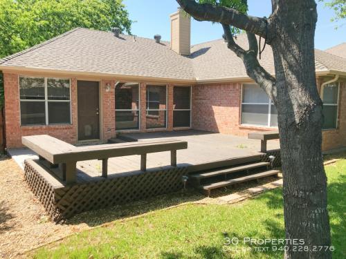 3900 Oak Park Drive Photo 1