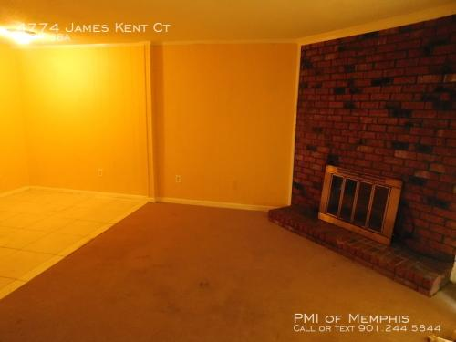 4774 James Kent Court Photo 1