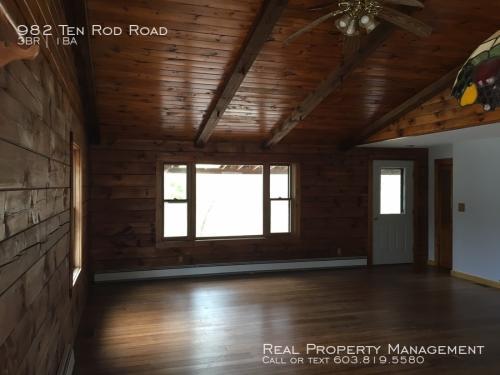 982 10 Rod Road Photo 1