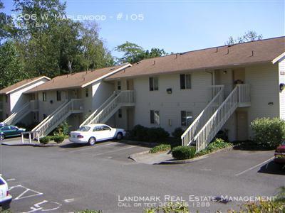 3206 W Maplewood Photo 1