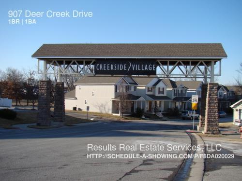 920 NE Deer Creek Dr Photo 1