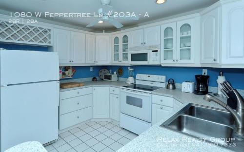 1080 W Peppertree Lane Photo 1