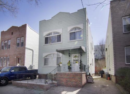 16 Terrace Ave Photo 1