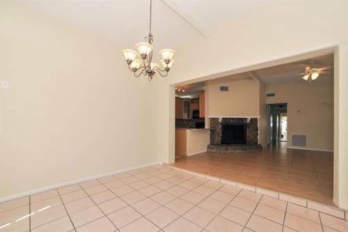 2103 Ivy Place Photo 1