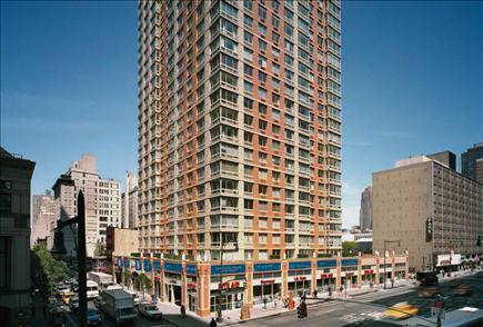 305 W 50th Street #14A Photo 1