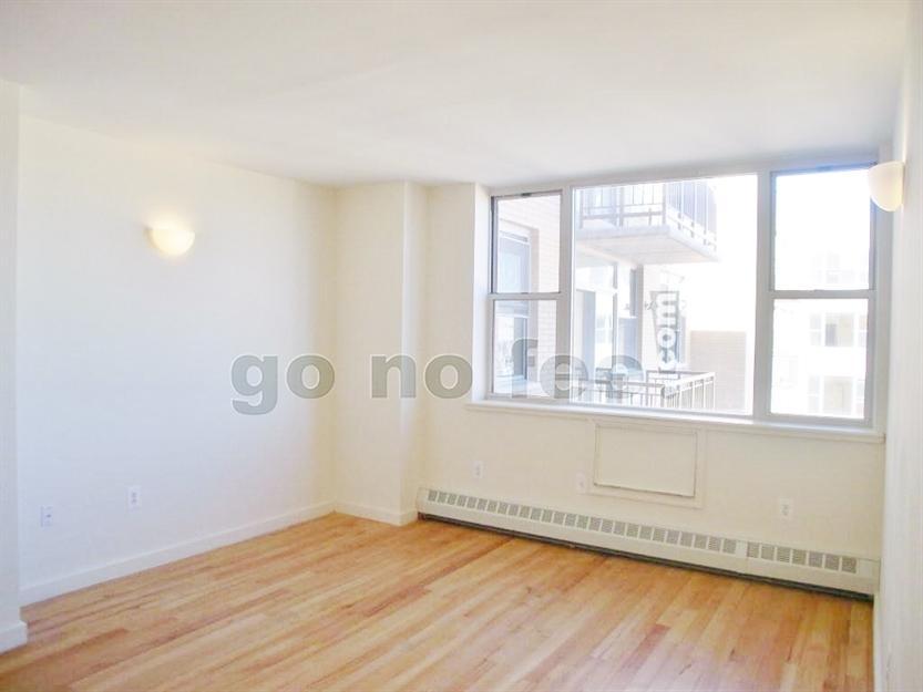 444 Manhattan Avenue 8C Photo 1