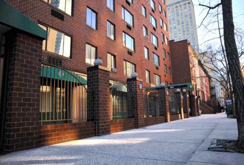 230 E 30th Street #14G Photo 1