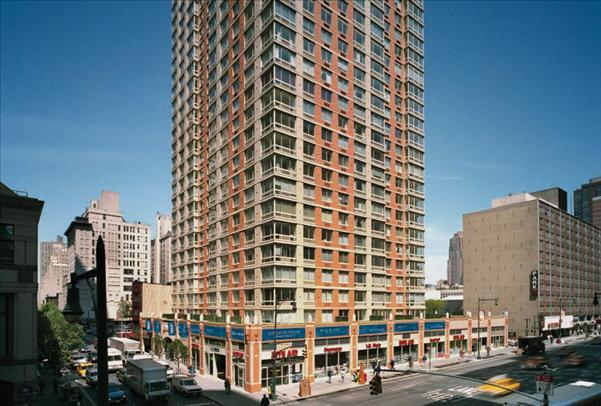305 W 50th Street Apt 10M Photo 1