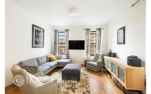250 Manhattan Ave Photo 1