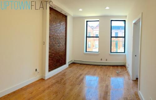 496 Manhattan Ave Photo 1