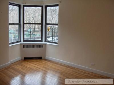 100 Arden St Apt 3B Photo 1