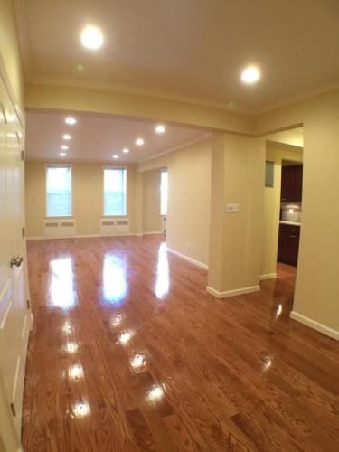 2 Bedrooms Apartment For Rent Photo 1