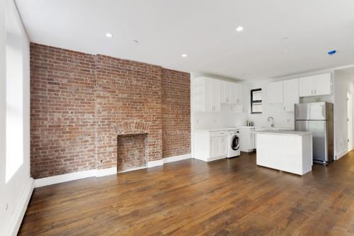 280 Manhattan Ave 3A Photo 1