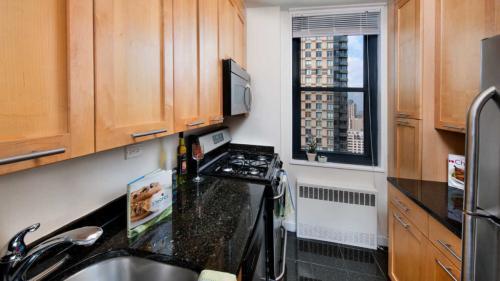 303 E 83rd Street Photo 1