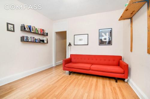 262 Withers St #1R Photo 1