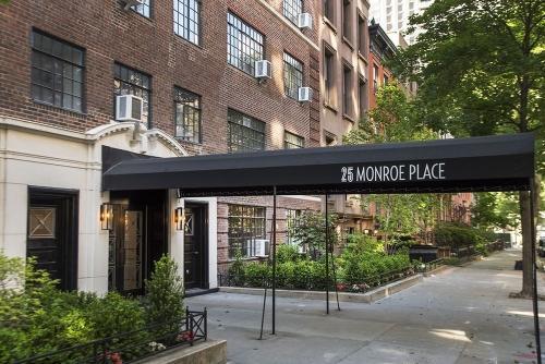 25 Monroe Pl Photo 1