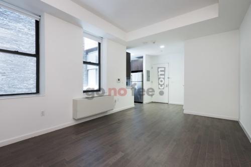 272 Manhattan Ave Photo 1