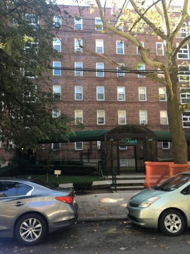 394 Avenue S Photo 1