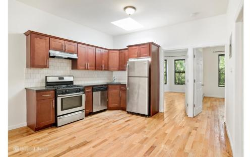1493 Sterling Pl #2 Photo 1