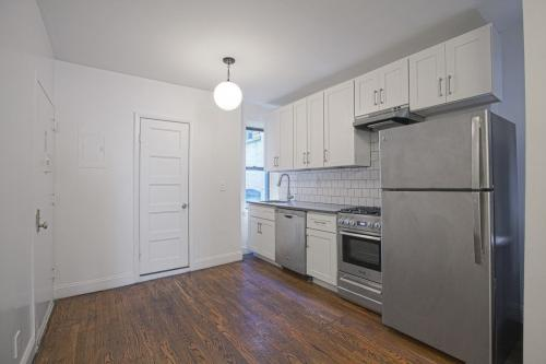 110 8th Ave #4S Photo 1
