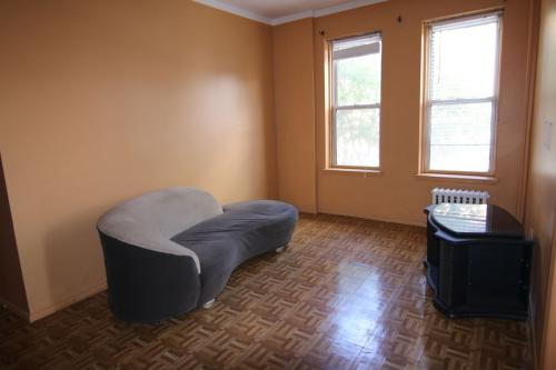 6866 Forest Ave #2R Photo 1
