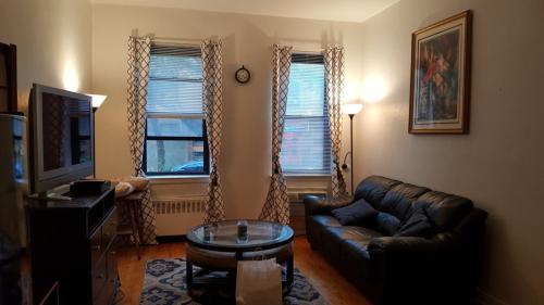 415 E 80th Street #1B Photo 1