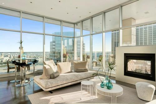 Apartment Unit 22Q at 37 Wall Street, Manhattan, NY 10005   HotPads