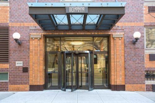 110 Horatio Street Photo 1