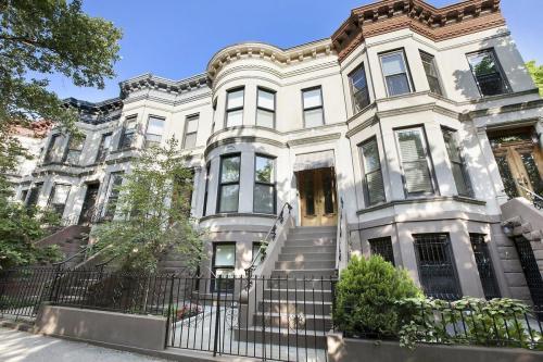 154 Underhill Avenue #1 Photo 1