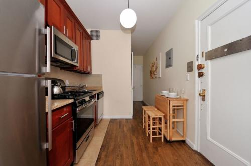 1595 2nd Avenue #3S Photo 1